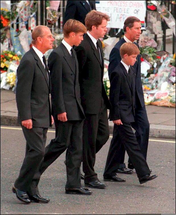 Beerdigung blauer anzug