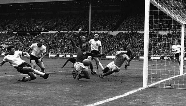 wm-1966-wembley-kicker-308730_e.jpg