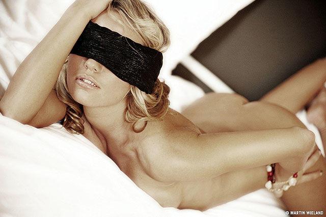 Porno Verbundene Augen