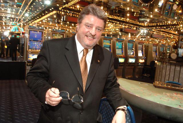 wer ist der gründer von huuuge casino