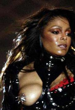 Janet Jackson nackt Sonnenbaden Video