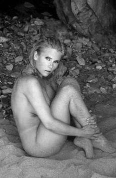 Nackte Gina Wild In Anzeigen Kampagne Michaela Schaffrath