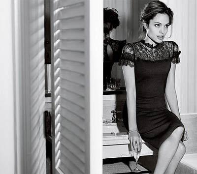 Angelina Jolie • NEWS.AT
