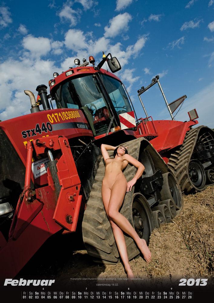 Traktor nackt auf Jungbäuerinnenkalender 2020: