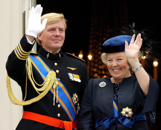 Willem-Alexander mit seiner Mutter Königin Beatrix