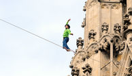 Slackliner am Stephansdom