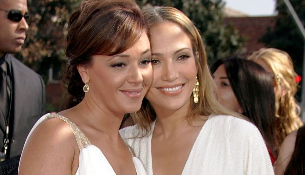 leah remini and jennifer lopez relationship with mother