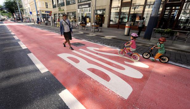 Mariahilfer Straße neu: Testphase hat begonnen.