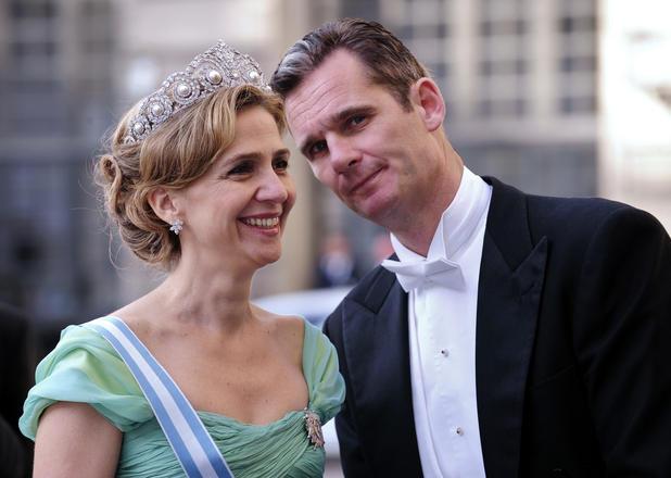 Milf verkauft die Sachen ihres Ehemannes gegen Kaution