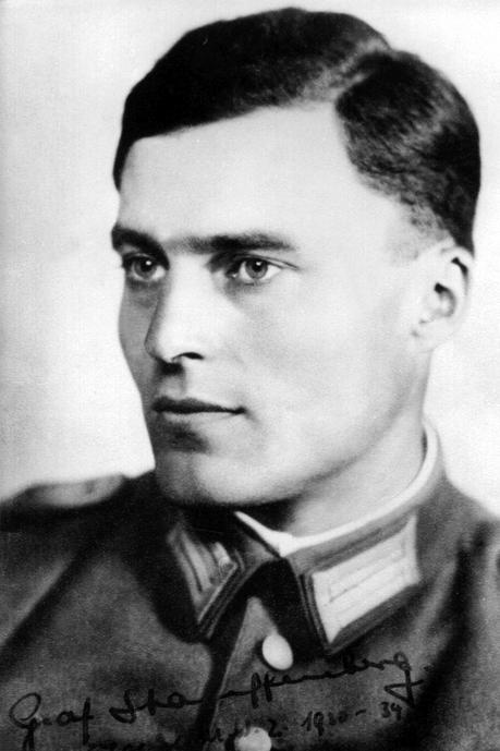 Oberst Claus Schenk Graf von Stauffenberg - claus-graf-schenk-von-stauffenberg