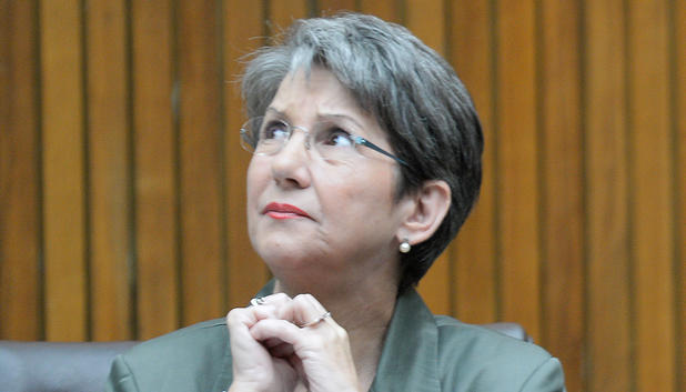 Barbara Prammer schaut nach oben - nationalratsprsidentin-barbara-prammer-verstorben