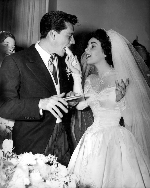 Die schönsten Vintage-Hochzeitskleider der Hollywood-Stars • NEWS.AT