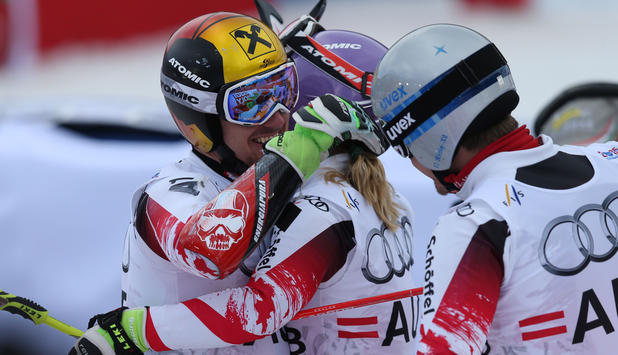 Hirscher jubelt im Team-Event