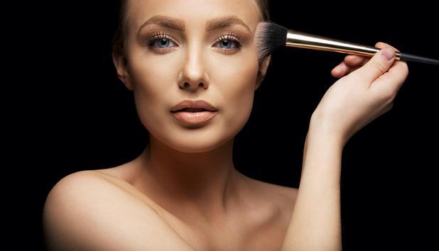 Make Up Tricks - Schminken Sie sich schlank! • NEWS.AT