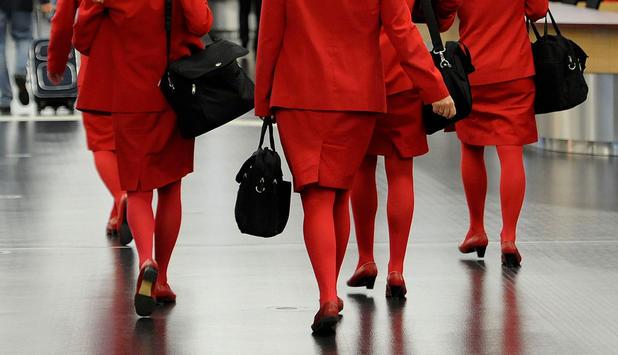 über rote Strumpfhosen ab. Airline präsentiert neues Design in zwei  Varianten - Entscheidung in vier Wochen eb3fdb2110
