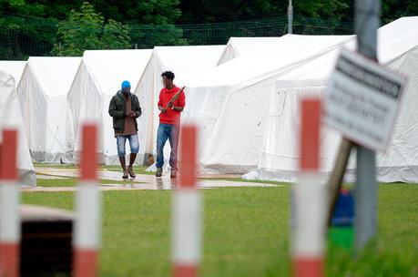 Zeltstadt für Flüchtlinge in Salzburg