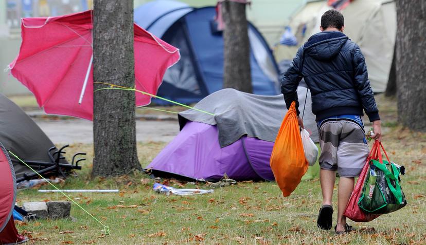 Aufschrei ber Chaos und Dreck im Flchtlingslager
