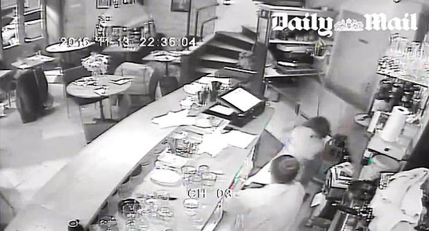 Video ParisAttacks: Cafe