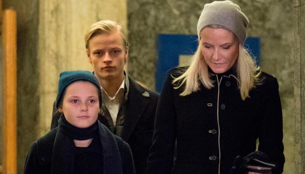 Mette Marit Grosse Sorge Um Ihren Sohn Marius News At