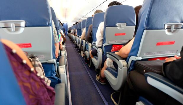 Wirtschaft   Wieder Vorfall bei US-Flug: Streit mit Frau um Kinderwagen eskaliert