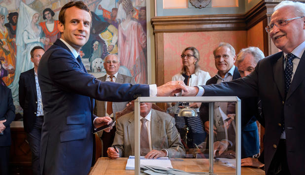 Hoffnung und Erleichterung in Europa nach Macrons Wahlerfolg