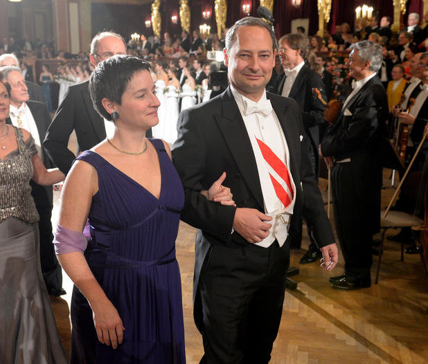 APA  ROLAND SCHLAGER Sonja Wehsely und Andreas Schieder im Rahmen des Philharmonikerballes im Wiener Musikverein am Donnerstag 24. Jänner 2013